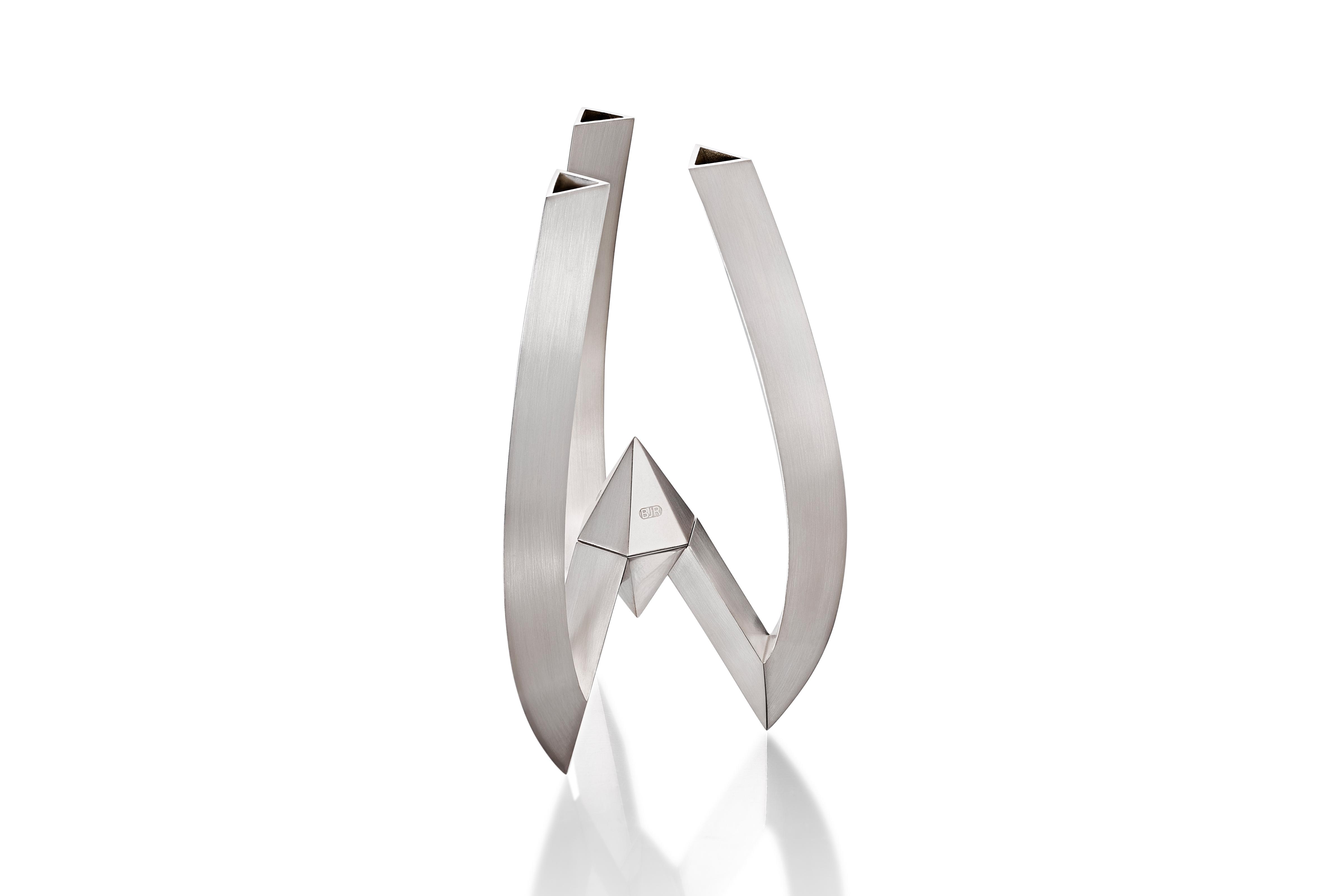 Trio Vita Vase – Perspective – Copyright BJRdesigns