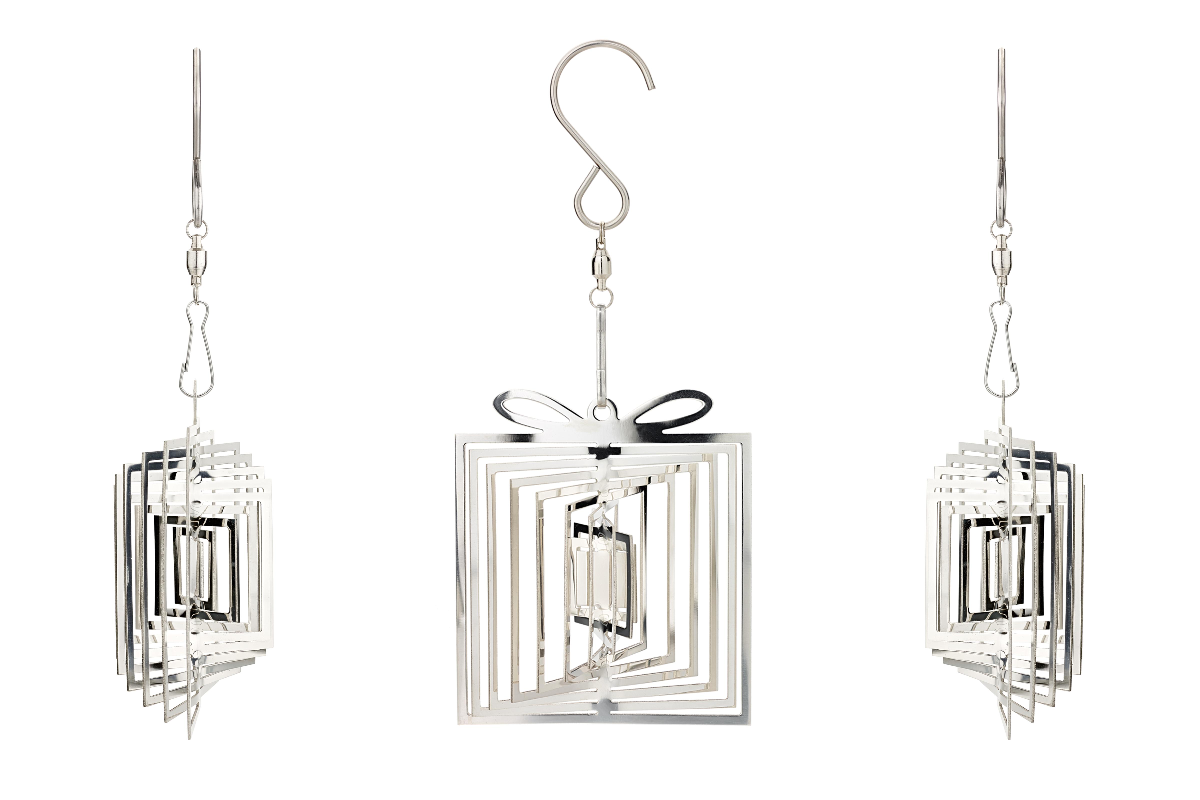 Twistmas Decoration – Perfect Present 2 – Copyright BJRdesigns